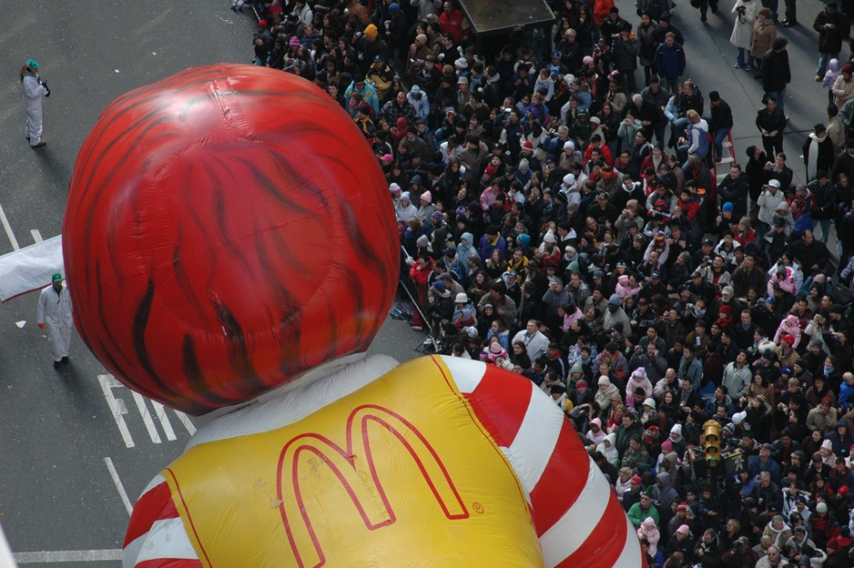Ronald McDonald hovers over crowd at Macy's 2005 Thanksgiving Day Parade. Photo by Satans Laudromat, licensed under a Creative Commons Attribution License, https://www.flickr.com/photos/satanslaundromat/.